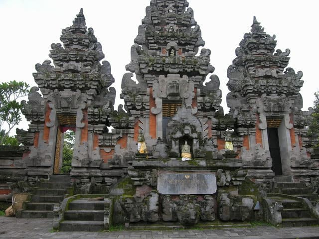 temple hindou lumajang ile java indonesie culture