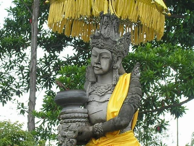 temple hindou lumajang ile java statue