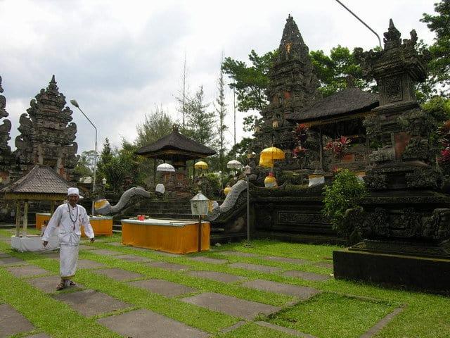 temple hindou lumajang ile java