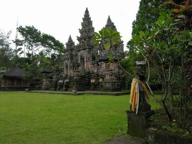 temple hindou lumajang temple java indonesie