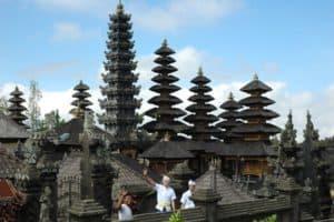 temple hindouisme cérémonies balinaises