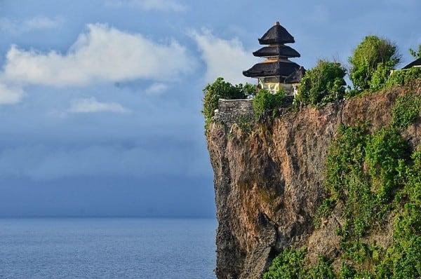 temple uluwatu paysage culture falaise