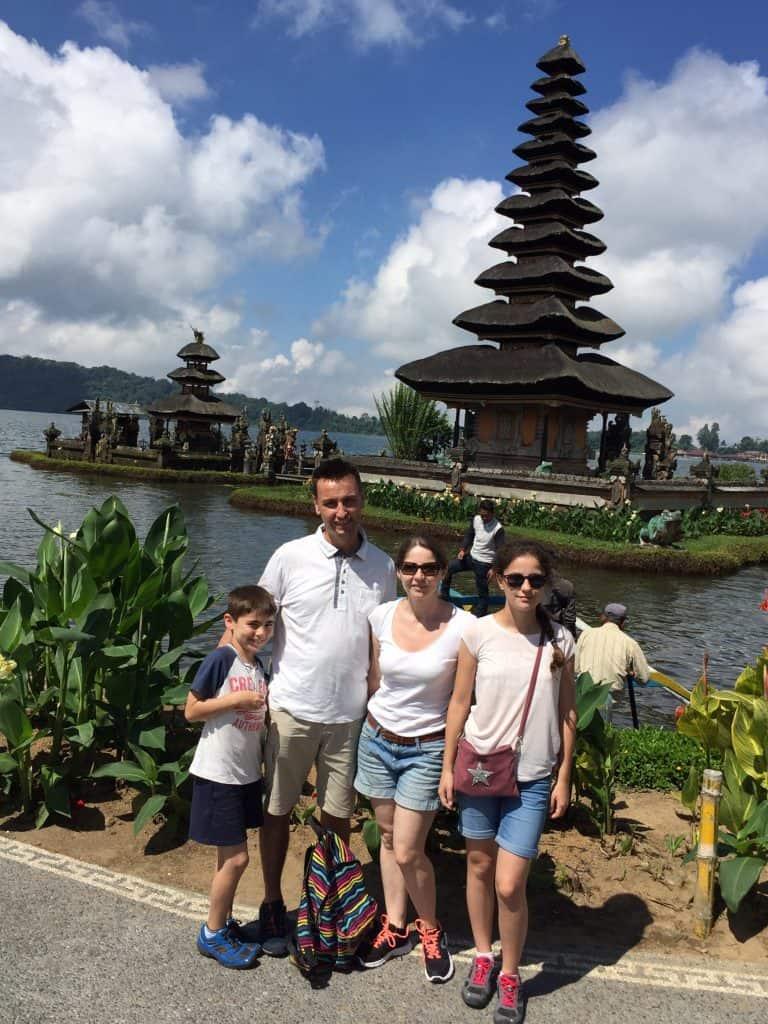 testimonial Bali ulun danu bratan lac Baliauthentique client Yannick Caroline Margaux Paul