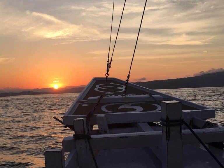 testimonial boat ocean sun