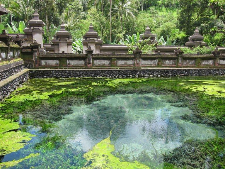 temple tira empul et sa source sacrée bali