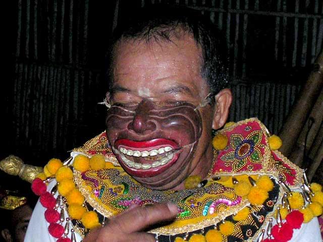 topeng comedie balinaise acteur deguisement indonesie