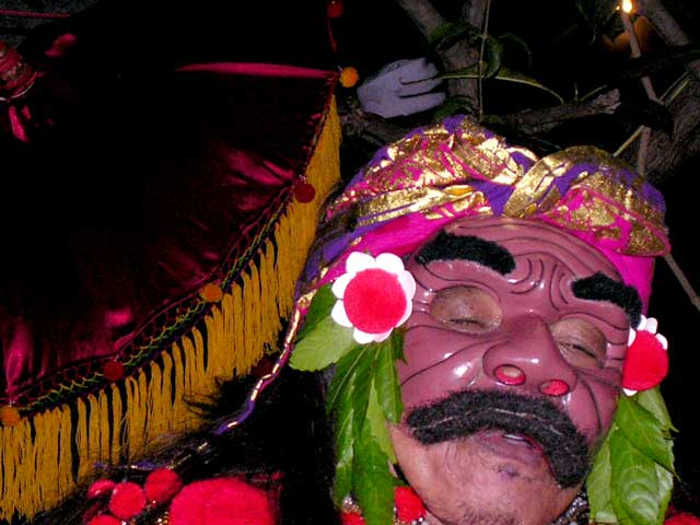 topeng comedie balinaise indonesie masque