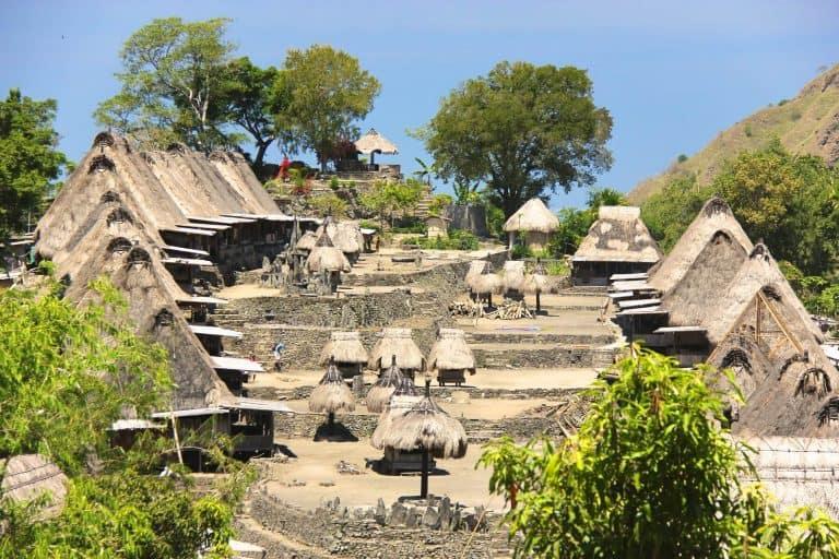 village traditionnel Bena Flores