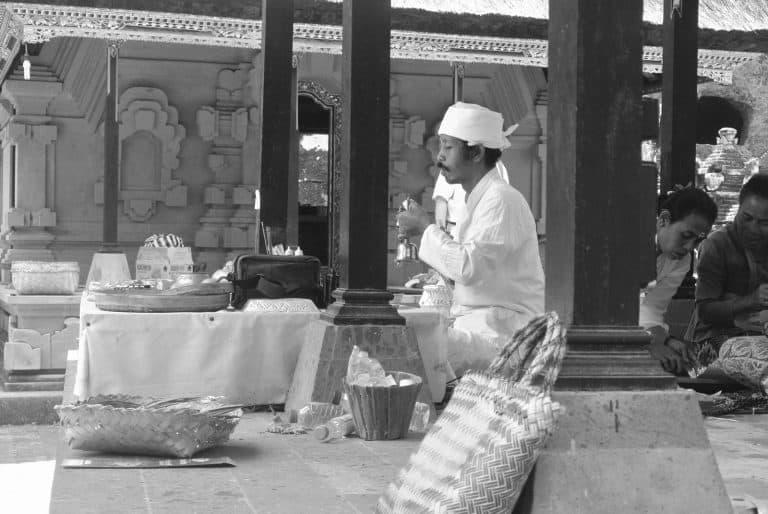 cérémonie offrandes temples à voir bali