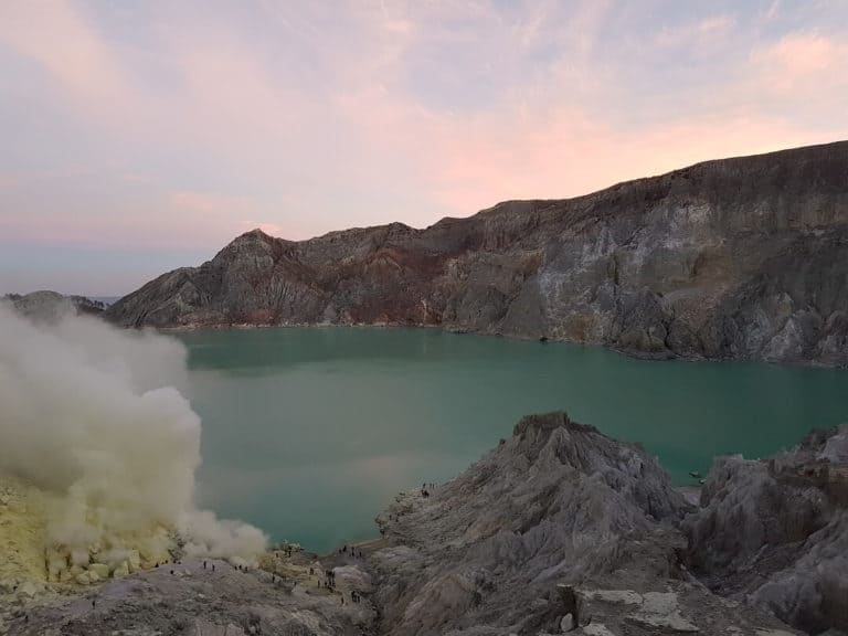 volcan ijen lac acide java