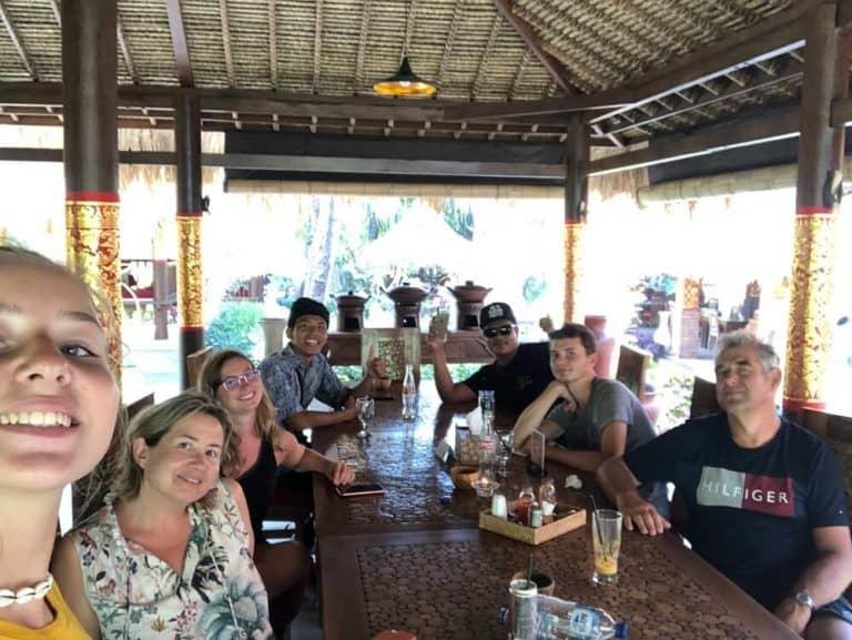 voyage famille bali repas balinais